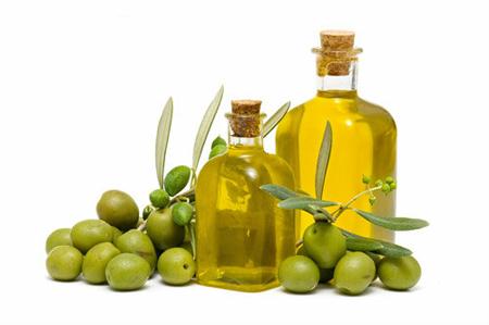 su dung dau oliu trong viec lam dep da